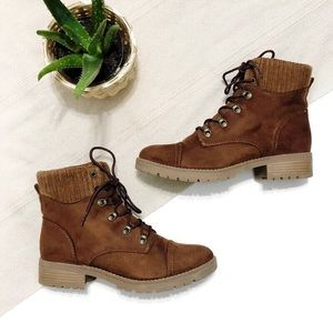 Universal Thread Lace-Up Ankle Boots
